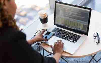 Las mujeres que emprenden en tecnología avanzan a paso firme a pesar de las dificultades que persisten en el sector